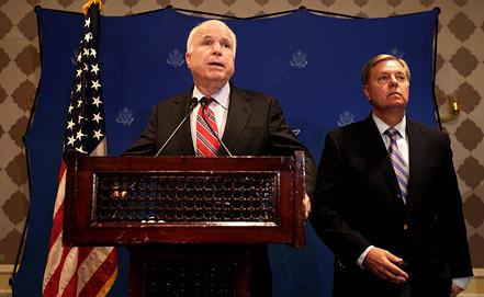 Джон Маккейн и Линдси Грэм, фото EPA/ИТАР-ТАСС