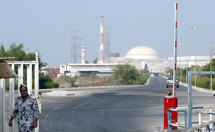 """АЭС """"Бушер"""". Фото ЕРА/ ABEDIN TAHERKENAREH"""