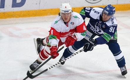 Андрей Сергеев /слева/. Фото ИТАР-ТАСС/Артем Коротаев