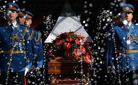 Похороны Йованки Броз в Белграде. Фото AP Photo/Darko Vojinovic