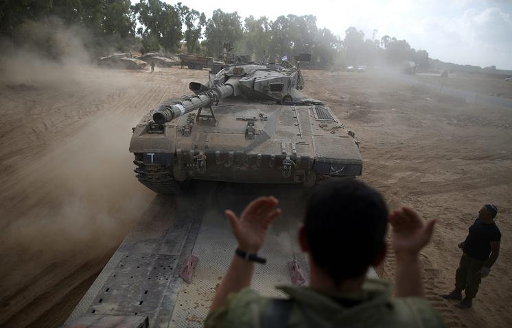 Израильские военнослужащие на границе с сектором Газа, 6 августа 2014 года