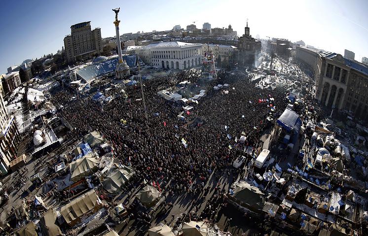 """Народное вече"" на площади Независимости, 2 февраля 2014 года"