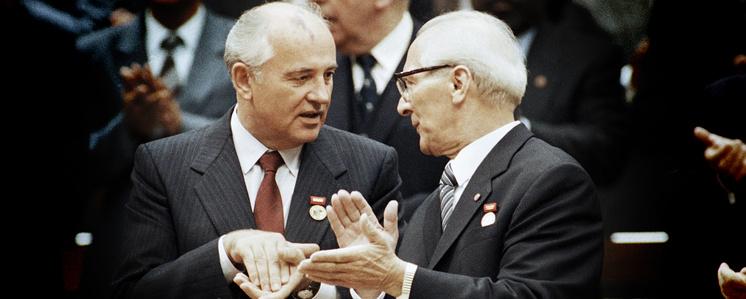 Михаил Горбачев и Эрих Хонеккер, 1989
