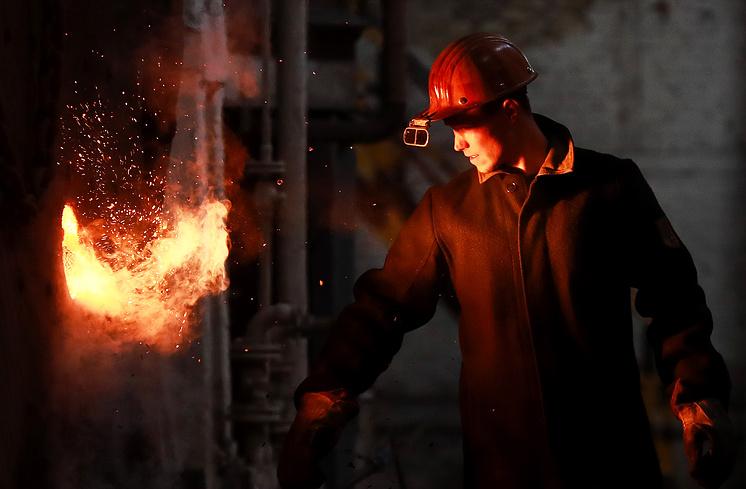 Сталеплавильный цех Выксунского металлургического завода