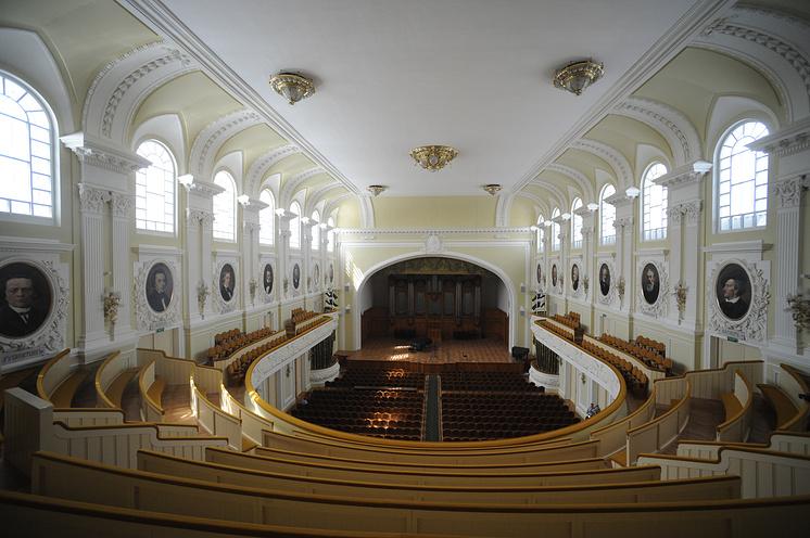Большой зал Московской консерватории после реставрации